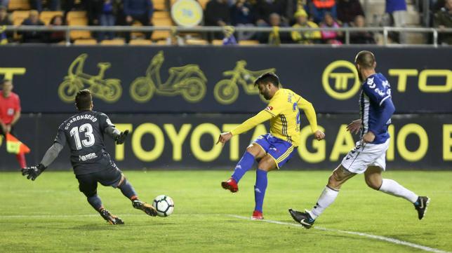 Jona ha sido incapaz de marcar en su regreso al Cádiz CF.
