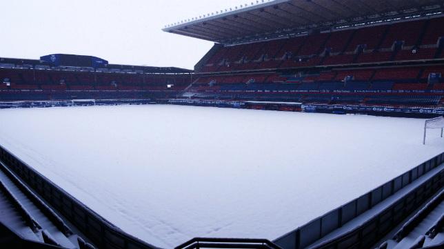 Así ha amanecido el estadio de Osasuna este miércoles 28 de febrero.