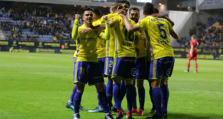 Alvarito celebra uno de los goles del Cádiz