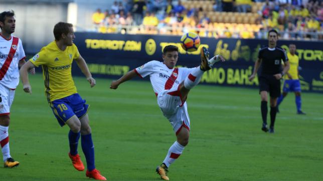 Bikandi Garrido, durante el Cádiz CF-Rayo de la primera vuelta.