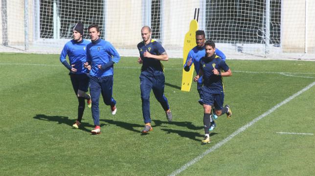 Eugeni, Kecojevic, Villanueva, Moha y Carpio, durante una sesión de entrenamiento celebrada en la ciudad deportiva de El Rosal..