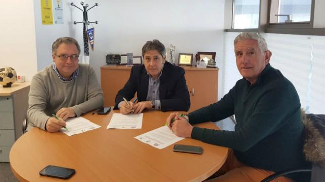Acuerdo a tres bandas entre Fundación Cádiz CF, FAF y UCA. Foto: Cádiz CF.