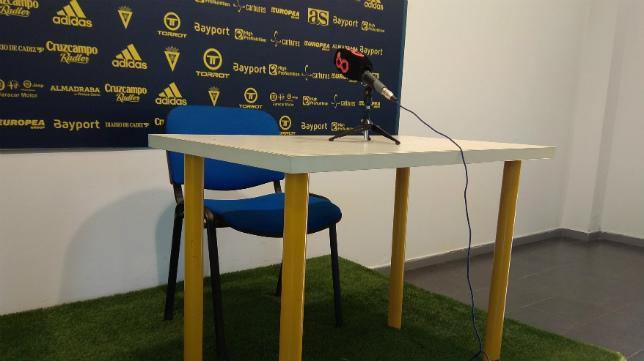 Por la sala de prensa del Rosal solo pasará esta semana Álvaro Cervera.