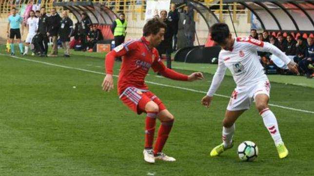 El Zaragoza gana por la mínima en León y sigue aspirando al ascenso de categoría.