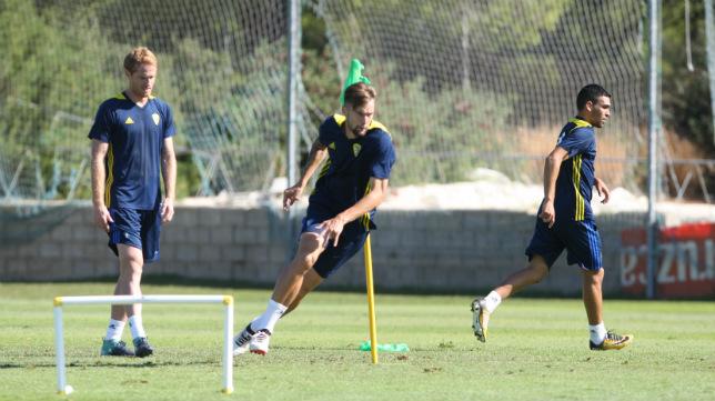 Álex, Carrillo y Romera, en un entrenamiento.