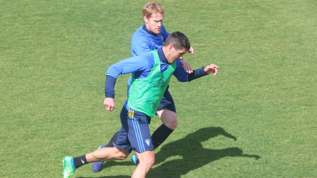 Garrido y Álex Fernández, durante un entrenamiento.