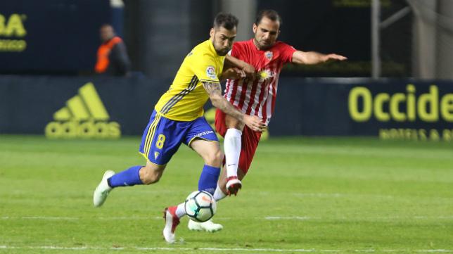 Perea volvió a los terrenos de juego en el partido ante el Almería.