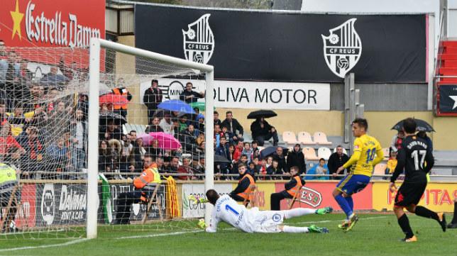 Lekic marcó el gol del Reus ante el Cádiz CF la temporada pasada.