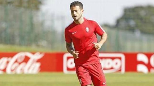 Rubén García, futbolista valenciano del Sporting. Foto: El Comercio.
