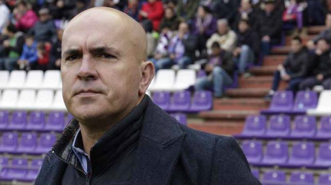 Luis César Sampedro ya no es entrenador del Valladolid.