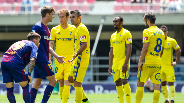 El Cádiz CF mostró una imagen muy triste en Barcelona.