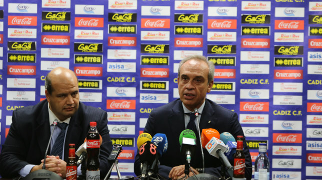 El abogado Enrique Zarza y Gabriele del Bono.