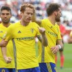 Alex Fernández celebra el gol en Albacete