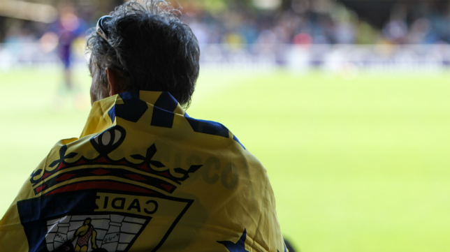 Un aficionado del Cádiz CF en el Mini Estadi.