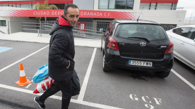 José Luis Oltra fue despedido del Granada el pasado mes de marzo.