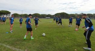 Imagen de un entrenamiento del Cádiz CF en El Rosal de una temporada pasada.