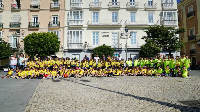 Imagen de la actividad en la gaditana Plaza de San Antonio. Foto: Cádiz CF.
