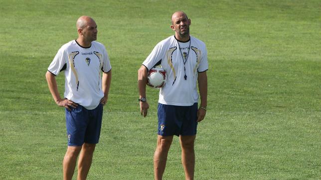 Juan Méndez y Alberto Monteagudo durante su etapa en el Cádiz CF.