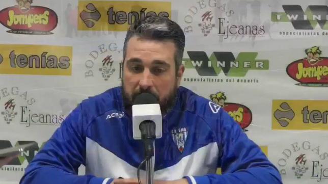 Néstor Pérez, entrenador de la SD Ejea. Foto: SD Ejea.