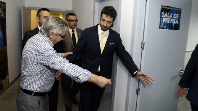 Antonio Muñoz y Alessandro Gaucci, el día de la venta.