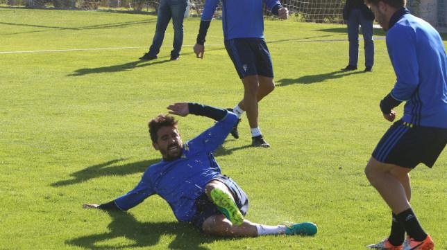 Javier Carpio se esfuerza en un entrenamiento.