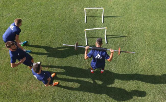 Los jugadores entrenando antes de la concentración en Murcia