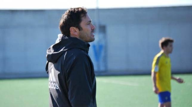 Keko Rosano, entrenador del Cádiz CF Juvenil.