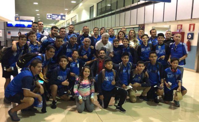 Mágico y Los Pachines en el aeropuerto de Guatemala @PuraMagia60