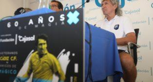 Mágico González en la presentación del partido en la Fundación Cajasol. Nacho Frade