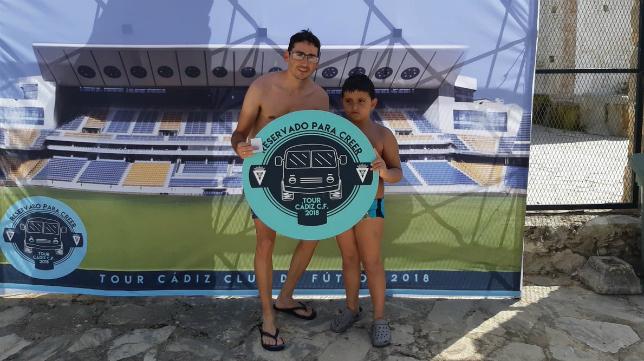 El Tour del Cádiz CF 2018 a su paso por Zahara de la Sierra. Foto: Cádiz CF.