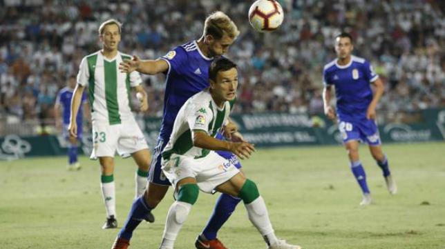 El Oviedo ganó 2-4 en Córdoba.
