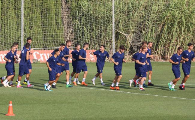La plantilla del Cádiz en un entrenamiento en El Rosal