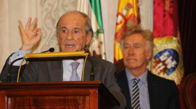 José María García pregonando el Trofeo Carranza