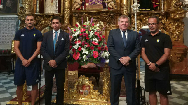 Ofrenda del Cádiz CF a la Patrona.