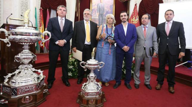 El Trofeo de 2013 lo jugarón Sevilla, con Vizcaíno como directivo, Atlético Magreb y Cádiz CF, con Florentino Manzano como presidente.