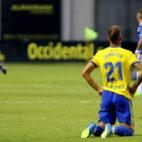 Carrillo, abatido tras el gol del empate del Oviedo.