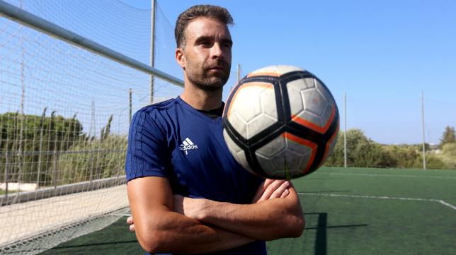 Alberto Cifuentes se ha convertido por méritos propios en el guardián de la meta del Cádiz CF.
