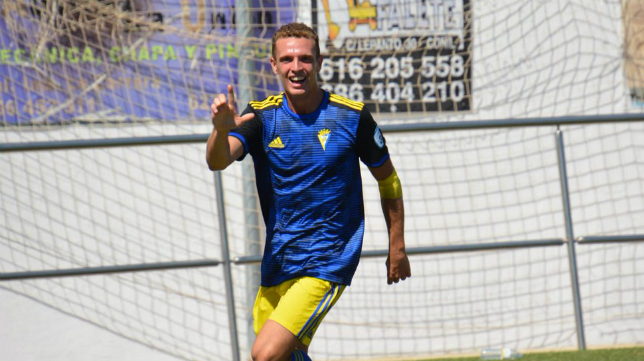 Jordi Tur celebra un gol esta temporada. Foto: Cádiz CF.