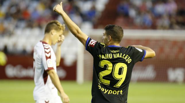 Manu Vallejo, esta temporada en el Carlos Belmonte ante el Albacete.