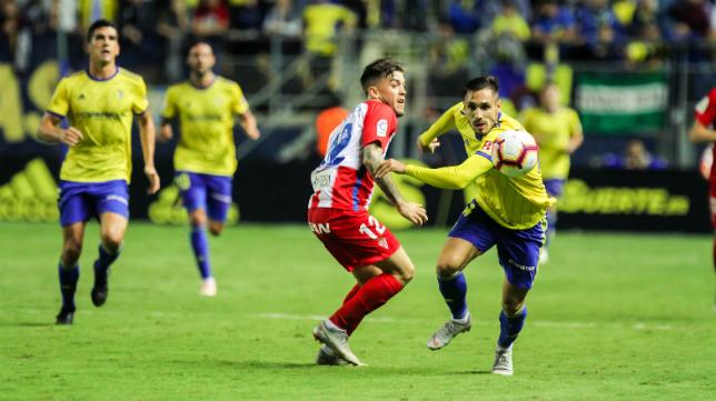 El Cádiz CF no pudo ganar al Sporting en el Ramón de Carranza.