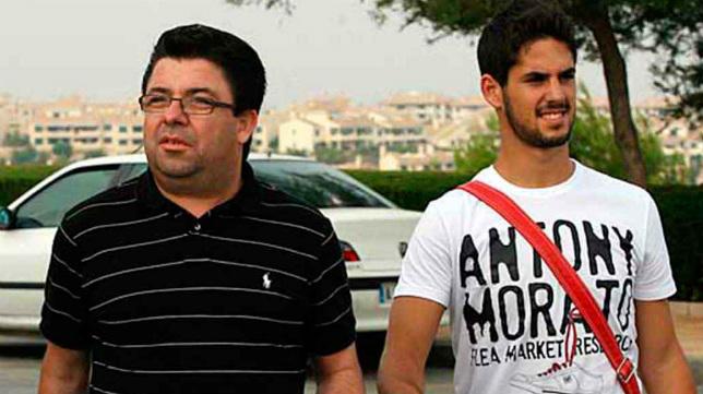Antonio Fernández, junto a Isco, en su etapa como director deportivo del Málaga.