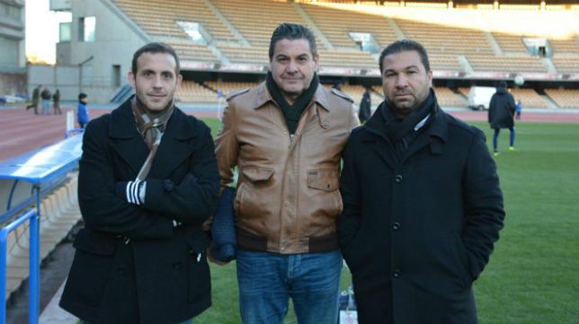 Enrique Labrador, con Paco López y Juan Carlos Cordero. Los tres han sido despedidos en los últimos meses.