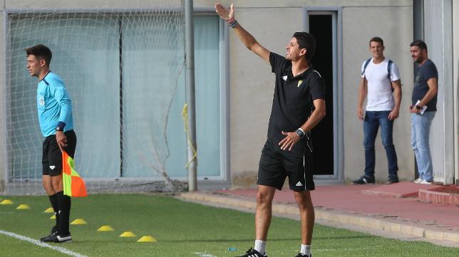 Juanma Pavón, entrenador del Cádiz CF B.