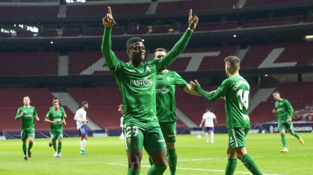 Neftali celebra su gol en el partido de Copa del Rey entre el Rayo Majadahonda y el Sporting en el estadio Wanda Metropolitano