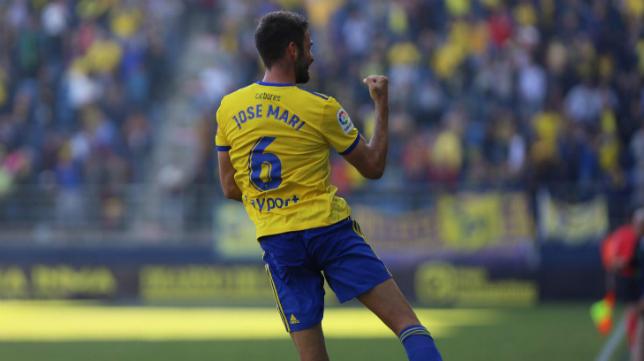 José Mari marcó el tercero desde el punto de penalti ante el Elche