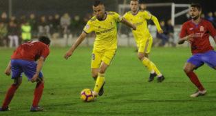 Karim Azamoum fue uno de los suplentes que jugó más minutos en el amistoso de ayer en Vejer. :: ccf