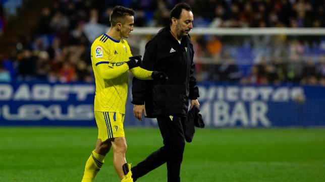 Salvi pidió el cambio por lesión en Zaragoza