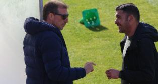 Óscar Arias junto a Enrique Ortiz en un entrenamiento.