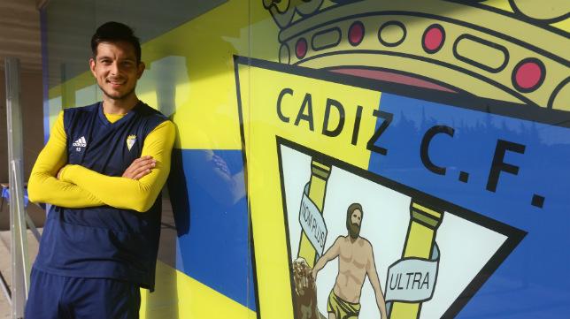 Marcos Mauro aún no ha renovado y no tiene clara su continuidad en el Cádiz CF.