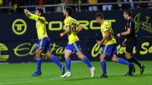Lekic celebra el gol ante el Deportivo